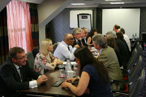 10 differences between selling and networking